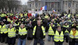 Macron anuncia la subida del salario mínimo ante las protestas…