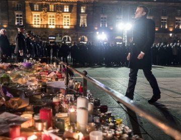 Sube la cifra a cuatro muertos por atentado en Estrasburgo; Macron rinde homenaje a las víctimas