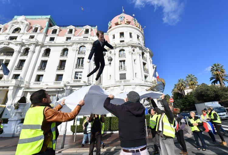 """Disminuyen movilizaciones de """"chalecos amarillos"""" en Francia; no reportaron incidentes violentos"""