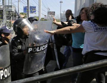 """Nicaragua expulsa a grupo internacional que indaga abusos policiales; los acusa de """"injerencistas"""""""