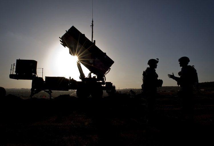 """Pakistán asegura que reducir soldados en Afganistán es un """"paso hacia la paz"""""""
