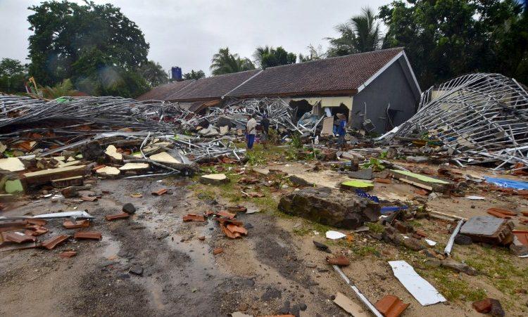 """Tsunami """"volcánico"""" deja al menos 222 muertos y 843 heridos en Indonesia"""