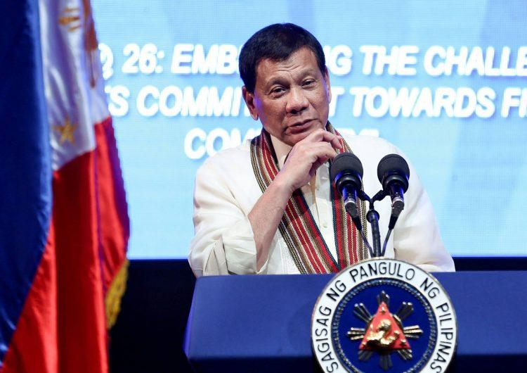 Duterte contó el domingo cómo, de adolescente, le habría realizado tocamientos a una empleada del hogar.