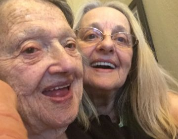 Prueba de ADN de internet reune a una mujer con su hija que creyó muerta hace 69 años