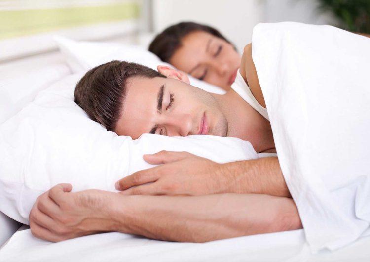 ¿Dormir demasiado puede matarte? Científicos explican cómo muchas horas de sueño dañan el corazón