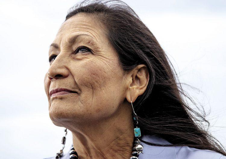 nativos-americanos-congreso-deb-haaland