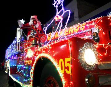 ¿Rodolfo el Reno en un camión de bomberos?