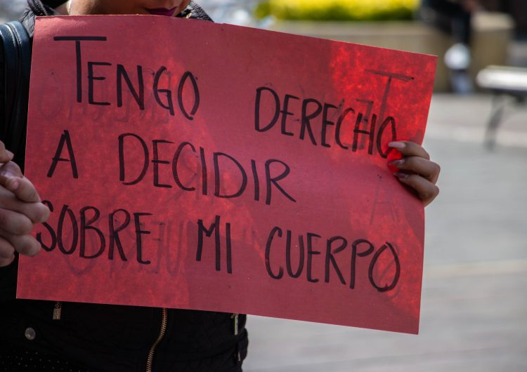 Reforma provida afecta a mujeres vulnerables: ONG's