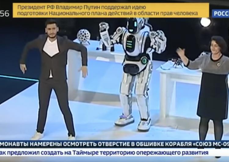 robot-ruso-avanzado-hombre-traje