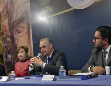 "Presenta Noel Mata libro ""Presidentes municipales de Jesús María"""