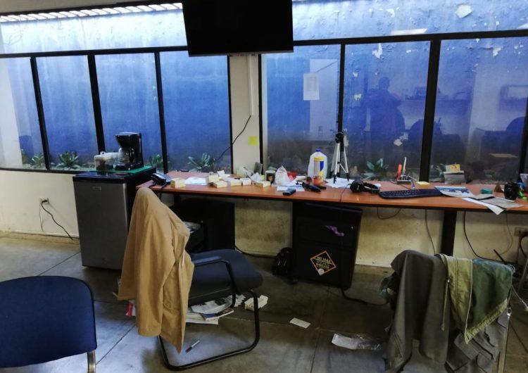 Policía de Ortega asalta redacción del Confidencial; reportan casi 500 violaciones a la libertad de expresión