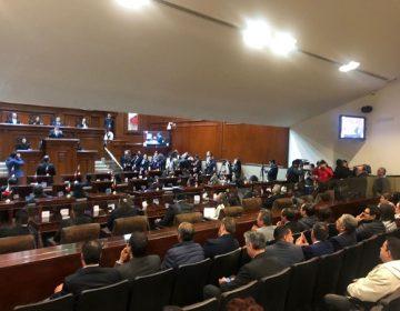 Desairan autoridades sesión solemne del Congreso del Estado