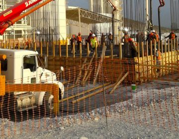 Aumentan asaltos y extorsiones contra constructores