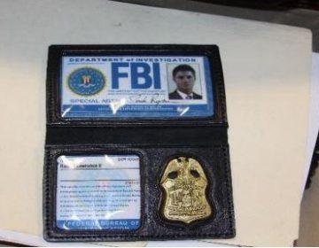 Encarcelan a agente falso del FBI que usó nombres de personajes de películas para robar a inmigrantes