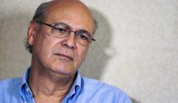 """Periodista Carlos Chamorro denuncia """"amenazas extremas"""" en Nicaragua; se exilia…"""