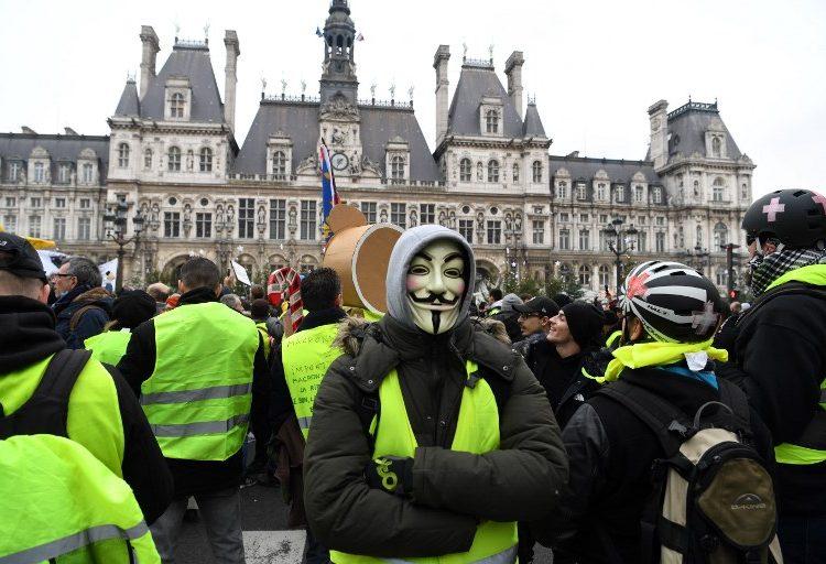 """Gobierno italiano respalda a los """"chalecos amarillos"""" de Francia y critica a Macron"""