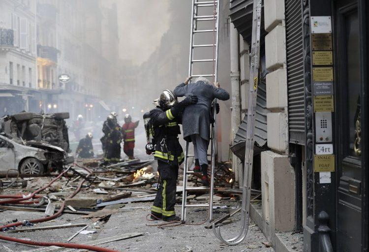 Explosión por fuga de gas en edificio deja a tres personas muertas en París