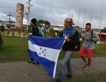 Nueva caravana sale de Honduras; Trump dice que solo su muro podrá detenerlos