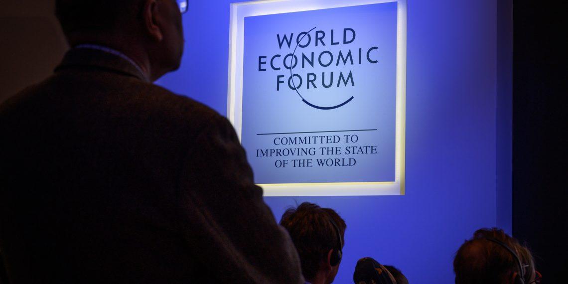 Aunque no hubo una postura unánime, líderes mundiales discutieron en Davos la necesidad de solucionar la crisis en estos países, que ha aumentado la migración a naciones vecinas. Foto: AFP