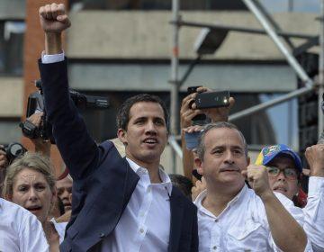 El opositor Juan Guaidó se proclama presidente interino de Venezuela