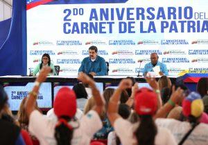 Maduro dice que enviará aviones a Ecuador para regresar a venezolanos