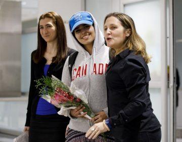 Joven saudí que huía de su familia por abusos, llega a Canadá tras recibir asilo