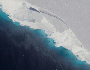 """Un descubrimiento """"inquietante"""": La NASA detecta una enorme cavidad en glaciar de la Antártida"""