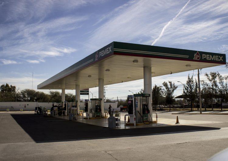 Alertan economistas de posible aumento en precio de gasolina