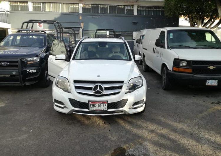 Detienen a excandidata de Celaya abordo de camioneta con supuesto reporte de robo