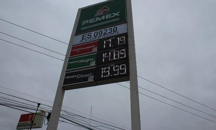 Baja el precio de la gasolina en municipios coahuilenses