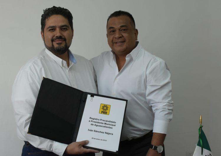 Se registra Iván Sánchez como precandidato del PRD por alcaldía de Aguascalientes
