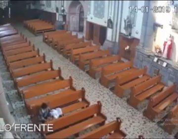 VIDEO | Se roban a Niño Dios a plena luz del día en SLP