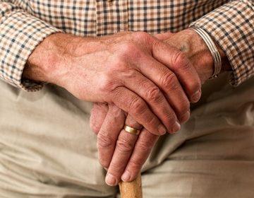 Proponen hasta 2 años de prisión por abandono de adultos mayores