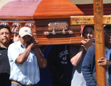 Con tambora, sepultan dolor en Tlahuelilpan