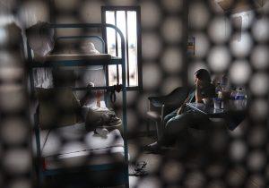 Agentes de inmigración detienen a mujer con un embarazo de alto riesgo y le niegan medicinas