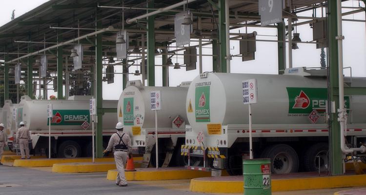 Roban pipa cargada de 25 mil litros de gasolina en Guanajuato