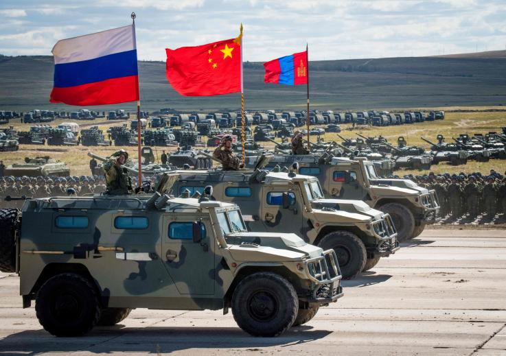 "China y Rusia advierten sobre ""carrera armamentista"" en respuesta a plan de defensa de Trump"