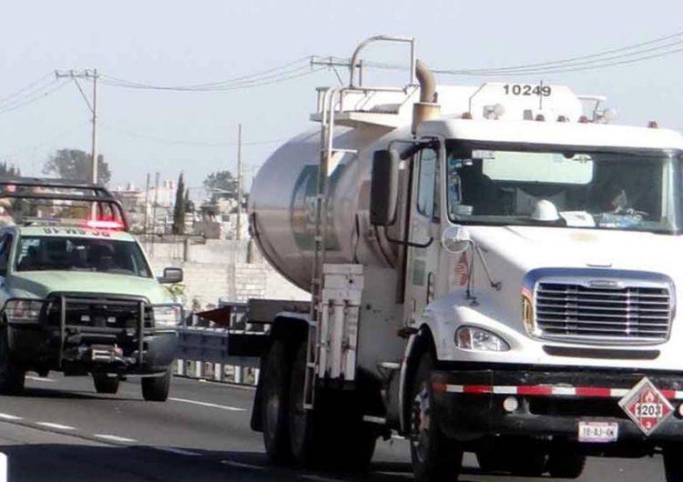Pide IP a AMLO mejorar distribución de gasolina