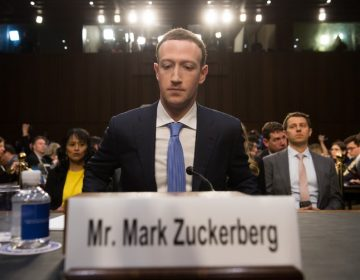 "Legisladores británicos piden regular a Facebook para que no se comporte como un ""gángster digital"""