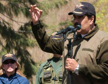 EU dice que ya es hora de finalizar el gobierno de Maduro; consejero amenaza con llevarlo a Guantánamo