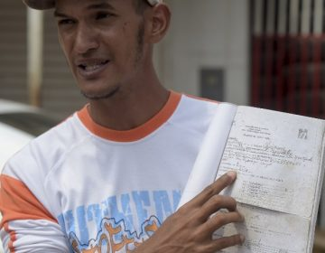 """Las """"farmacias"""" callejeras y el acceso a la salud en Venezuela"""