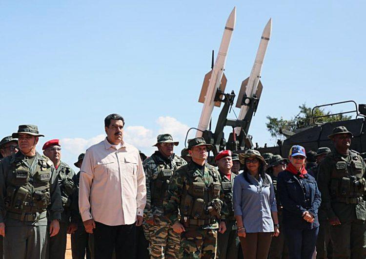 Maduro anuncia que comprará misiles rusos para defender Venezuela
