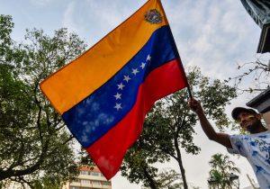 Pese a advertencias de EU, la Unión Europea rechaza una escalada militar en Venezuela