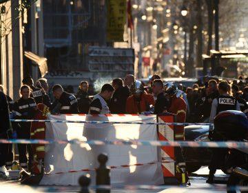 Hombre hiere a dos personas con un cuchillo en Francia; es abatido por la policía