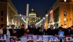 El Papa publica 21 directrices contra pederastia y llama a…