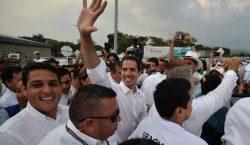 Guaidó llega a concierto en Colombia y desafía la prohibición…