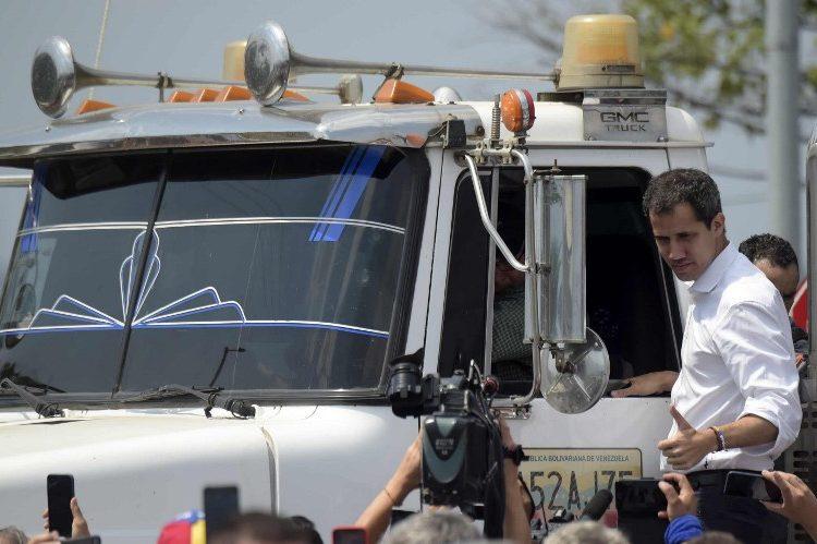 Entra el primer cargamento de ayuda humanitaria internacional a Venezuela