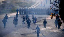 Disturbios en Venezuela por bloqueo de ayuda humanitaria dejan a…