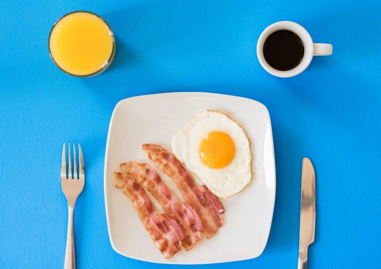 Por qué saltarnos el desayuno podría ayudarnos a perder peso y seguir sanos