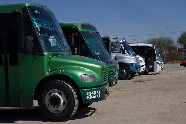 Condonarán pago de control vehicular y placas a camiones urbanos